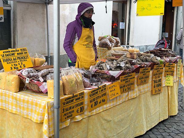 Sprzedaż wyrobów wędliniarskich i mąki kukurydzianej wyrabianych według tradycyjnej receptury