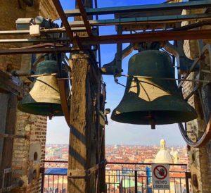 Panorama-Turynu-z-wieży-przy-Duomo