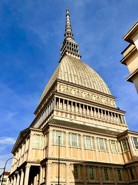 Symbol Turynu to majestatyczna budowla Mole Antonelliana
