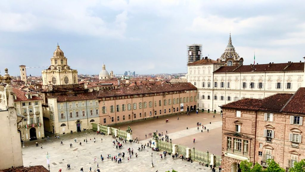 Panorama Turynu i widok na zamek królewski