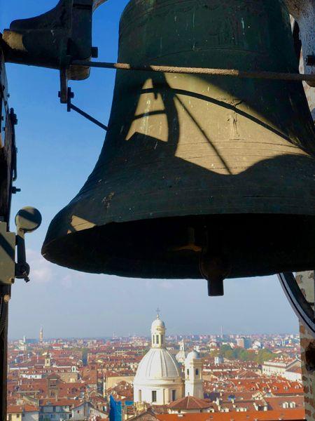 Widok na Turyn z dzwonnicy przy Katedrze