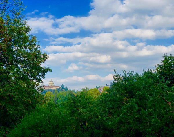Widok na Monte Dei Cappuccini z Parku Valentino