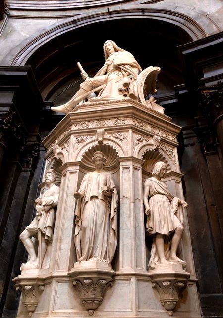 Fragment kaplicy Całunu Turyńskiego na Zamku Królewskim w Turynie