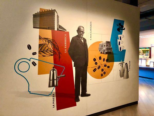Luigi Lavazza wita zwiedzających w muzeum kawy w Turynie