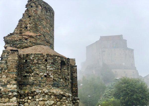 Opactwo św. Michała Archanioła to symbol Piemontu we Włoszech