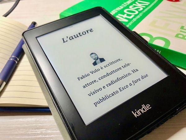 strona z książki ze zdjęciem autora Fabio Volo