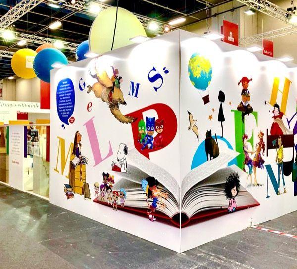 Turyn i międzynarodowe targi książki, stoisko jednego z wystawców