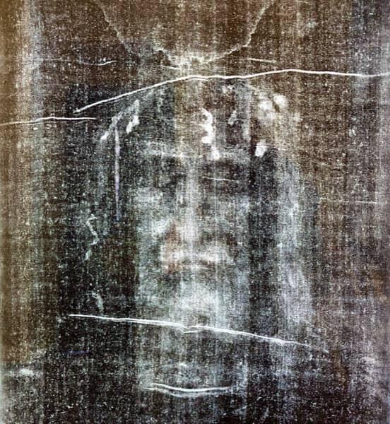 Zdjęcie twarzy Chrystusa z Całunu Turyńskiego