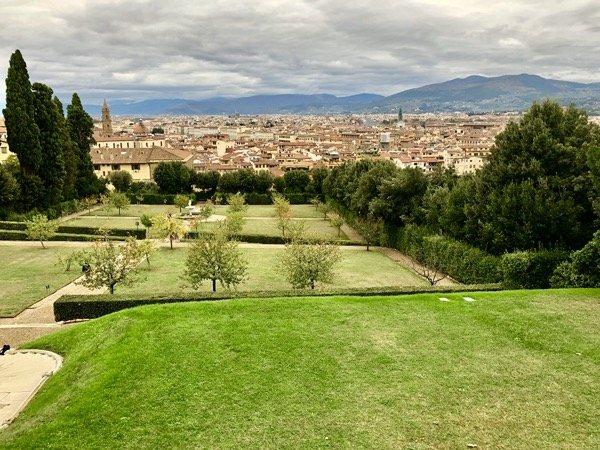 Widok na Florencję ze wzgórza ogrodu Boboli