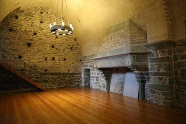 Wnętrze zamku w Verrès